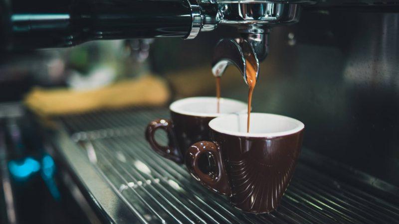 Brancher sa cafetière connectée: oui, mais comment?